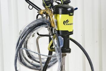 (3) Piston pump