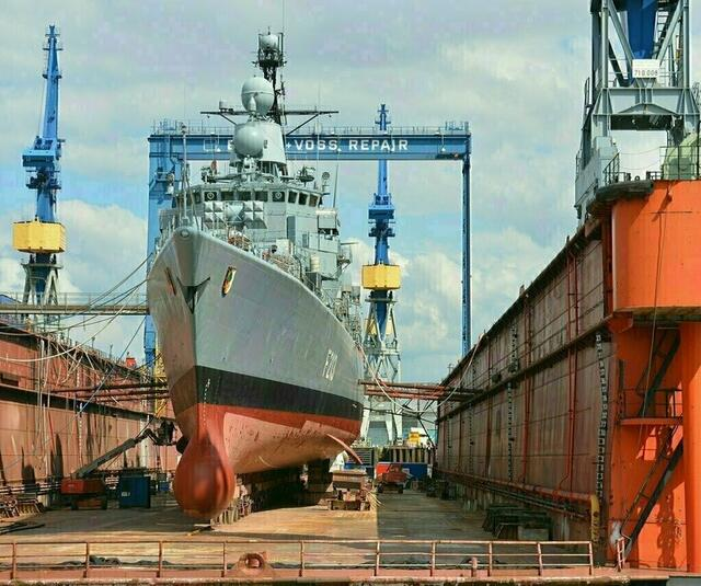 Naval slider