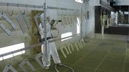 Spraying of primers on small part with an optimum coverage thanks to the wrap-arounf effect