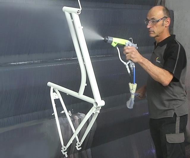 Kit de pintura Electrostática de base disolvente para un único pintor