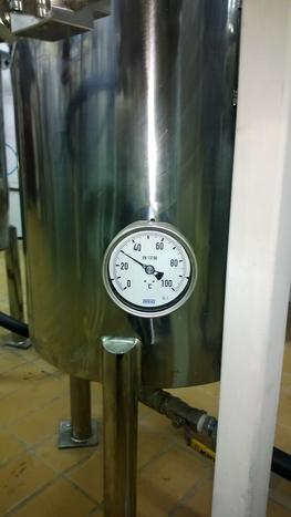stainless steel tank with gauge