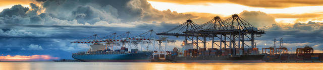 Maquinaria, grúas y equipos de elevación para puertos