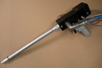 (7) Pistolet MC2