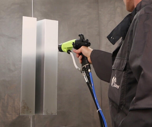 Airspray electrotatic spraygun